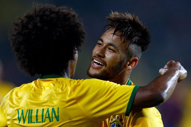 neymar-foot_w647